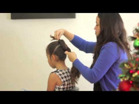 Peinado de Navidad fácil y sofisticado para niñas