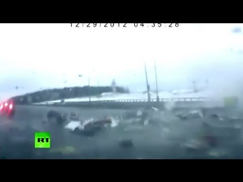 Video: Moment of deadly plane crash into Moscow highway