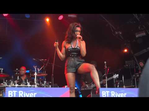 "Live Music : Soul / R&B : Beverley Knight - ""Ain't that a lot of Love"" and 'Mama Used To Say'"