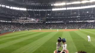 April 19 2017 - Ichiro Suzuki - Home Run at Safeco Field Crowd Reaction