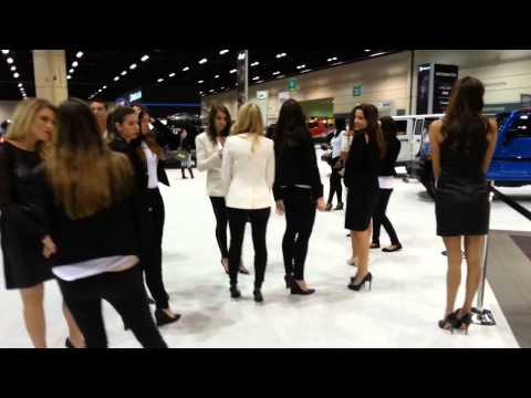 Hot Jeep Girls - Central Florida International Auto Show 2014 - 2015 Car Models - Orlando FL
