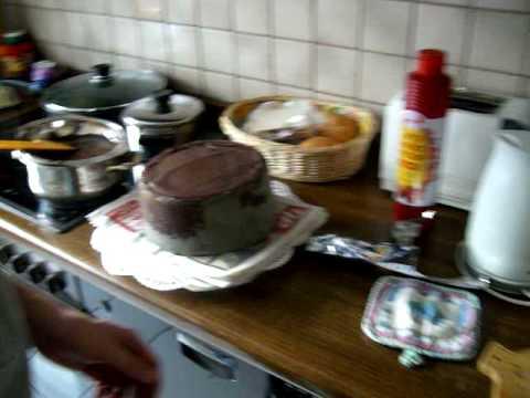 Wie man einen Boobkuchen verziert