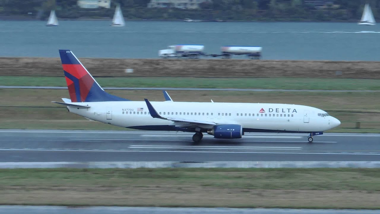 delta airlines boeing 737 800 n37700 takeoff from pdx youtube. Black Bedroom Furniture Sets. Home Design Ideas