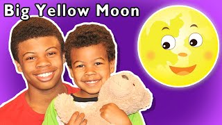 🌙 Big Yellow Moon and More | LULLABY RHYME | Nursery Rhymes from Mother Goose Club!