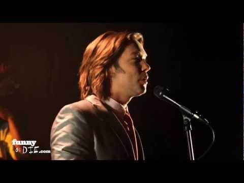 Rufus Wainwright Does Gum
