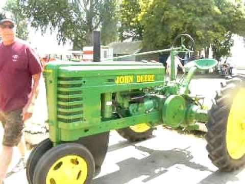 Revels Tractor John Deere John Deere 1939 h Tractor