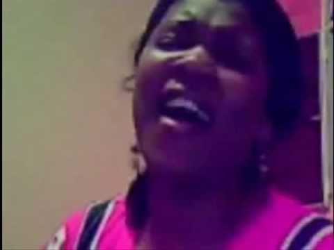 http://www.twitter.com/betanialima3 Musica da Fernanda Brum cantada na voz lindissima de Betânia Lima, na twitcam com o grupo ellas.