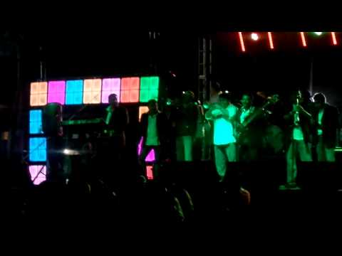 La Onda Musical - La Cumbia Repetidora (Carnaval Guaymas 2015)