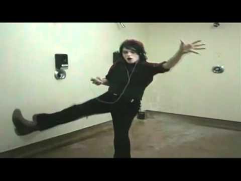 Gerard Way Dance Gerard Way's Ipod Dance For 15