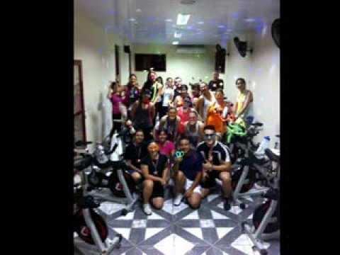 Aula de Spinning - Tema: Anos 60 70 e 80 - Clube Sayão - Araras...