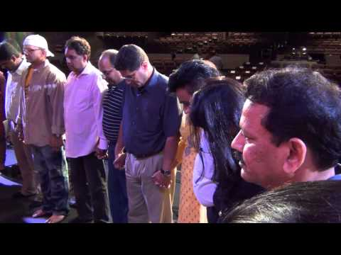 MMDET 2013 Kojagiri - Outside Auditorium & Bedhund-Team Prayer...