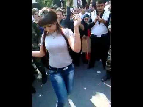 رقص خليع لفتاة في مسيرات تأييد و ولاء لبشار الاسد Music Videos