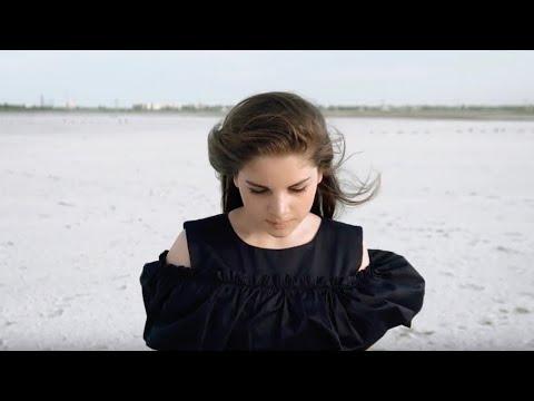 На Белом | Ванесса Кочанжи / Vanessa Kochanzhi