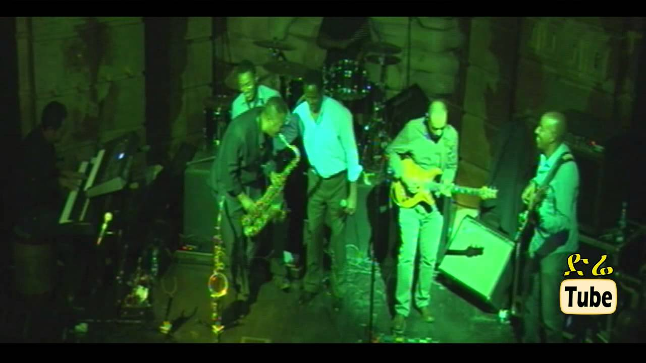Dawit Melese -  Yiberral Libe - [Live Performance with Showcase Band]