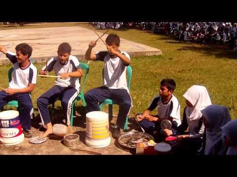 musik perkusi kelas XII IPA 1 SMA N 1 Kuantan Mudik