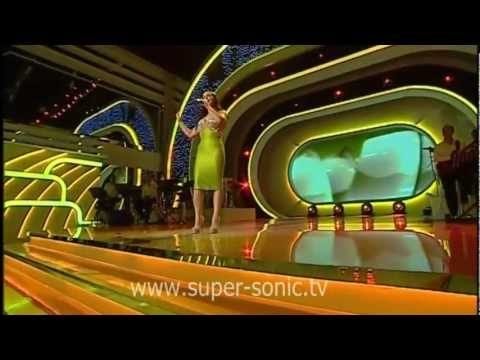 Alberie Hadergjonaj  - Vetem Ty ( Kenga Magjike 2011 ) video