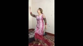 Pakistani desi girl hot dance in homemade video