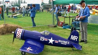 GIANT RC F4U CORSAIR SCALE MODEL AIRPLANE FLIGHT DEMONSTRATION
