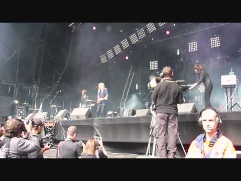 Ladyhawke - Dusk Till Dawn - Lovebox 2009