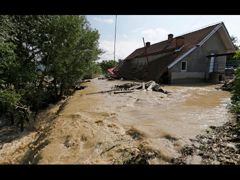 Freak flood footage: Romania ravaged by deadly deluge