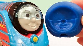 Thomas & Friends Trackmaster, TOMY Plarail. Let's make a face mold with Play Doh. ver.8
