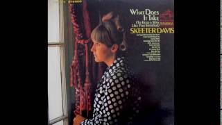 Watch Skeeter Davis What I Go Thru to Keep Holding On To You video