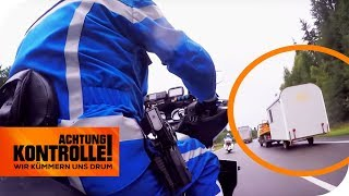 Polizei-Motorradstaffel entdeckt auffälliges Baufahrzeug! Was ist passiert? | Achtung Kontrolle
