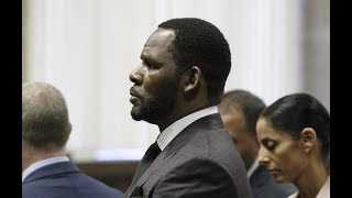 R.Kelly adds attorney known for plea deals