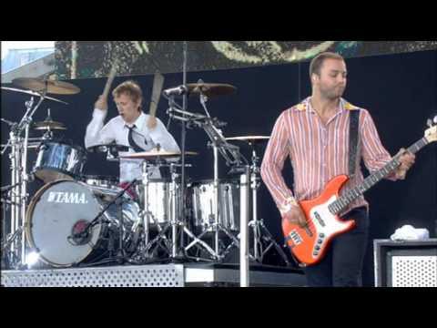 Muse - Hysteria Live  Live 8 2005 video