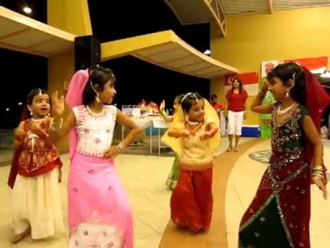 Kirtana Suresh - Dance For Mujhe Rang De Song video