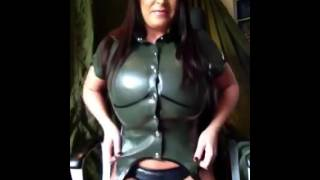 Busomy Busty Big Boobed Leanne Crow pops her top