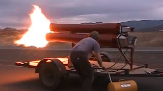 Maddoxjets.com: 900 pound thrust Pulsejet engine.