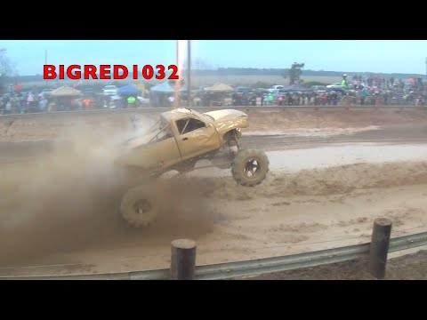 INTRUDER wins the 2014 Throttle King Final at Twittys Mud Bog