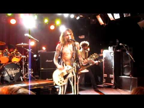 The Darkness Live @ Paradise - Living Each Day Blind (FIRST EVER LIVE PERFORMANCE) - Boston