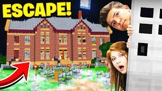 ESCAPING THE SCHOOL with my SISTER! (Minecraft School Escape)