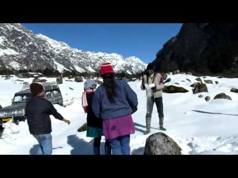 Trip to snow clad Yumthang,North Sikkim ( Sikkim & Darjeeling Tour 2013 , Part 1 of 6)