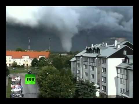 Trąby Powietrzne Nad Polską 14.07.2012 [sceny Z Bliska]