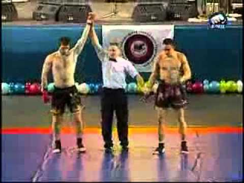 �e�en boks�r Mamed Khalidovun �e�en zafer dans�