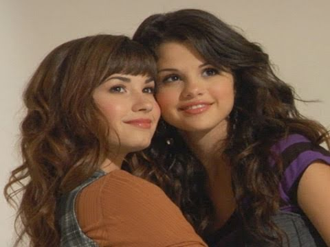 Selena Gomez & Demi Lovato TEEN cover shoot!