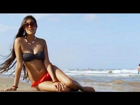 Karuna soaks up the sun on Malvarossa beach
