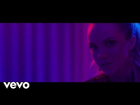 Danielle Bradbery - Worth It (Instant Grat Video)