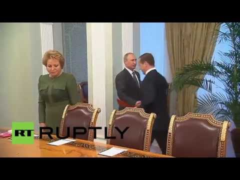 Russia: Putin meets National Security Council over Ukraine peace