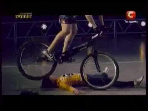 Украина мае талант 4 велотриал Артем Сисоев.mov
