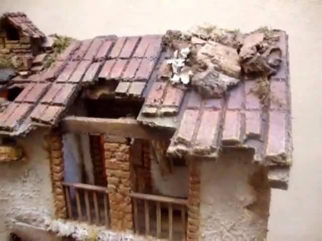 1112 - Pesebre tipo casa para figuras de 10-12 cm