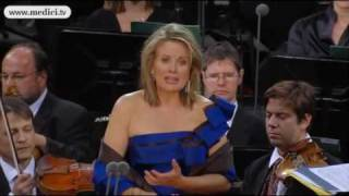 Renée Fleming sings Puccini Turandot at the Waldbühne concert 2010
