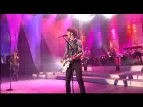 Jonas Brothers - SOS (Live Disney Channel Games 2008) Music Videos