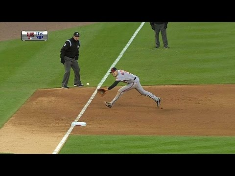 BAL@DET Gm3: Flaherty makes a great backhanded stop