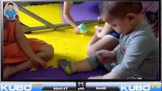 Video Ku Bơ 13 tháng tuổi ham vui chơi cùng các chị
