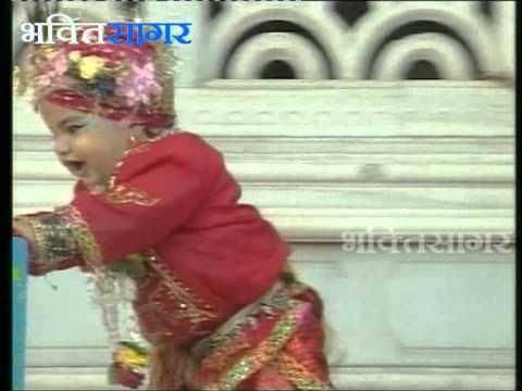 Shri Radha Krishna Bhajan - Nazar Na Lag Jaye - Braj Gopika...