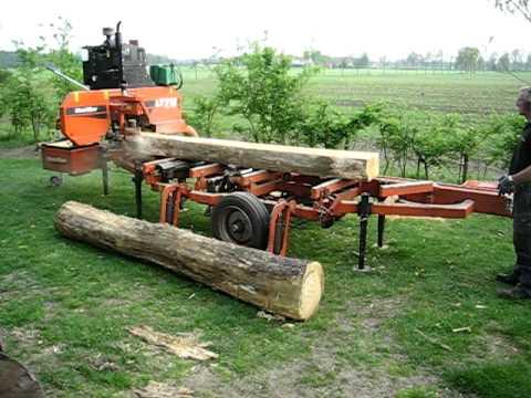 Planken zagen uit boomstam
